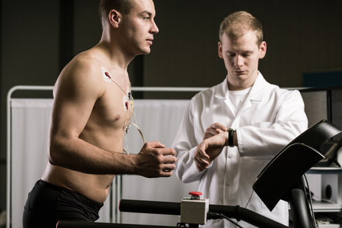 A sports physical therapist helps athletes and active individuals be in their best form.