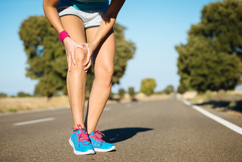 Runner's knee can be experienced by beginner and advanced runners.